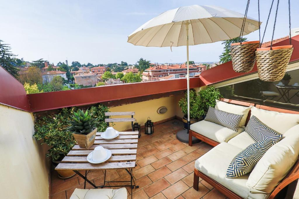 Bed breakfast b b grand suite bologna centro italia for Tre stelle arreda