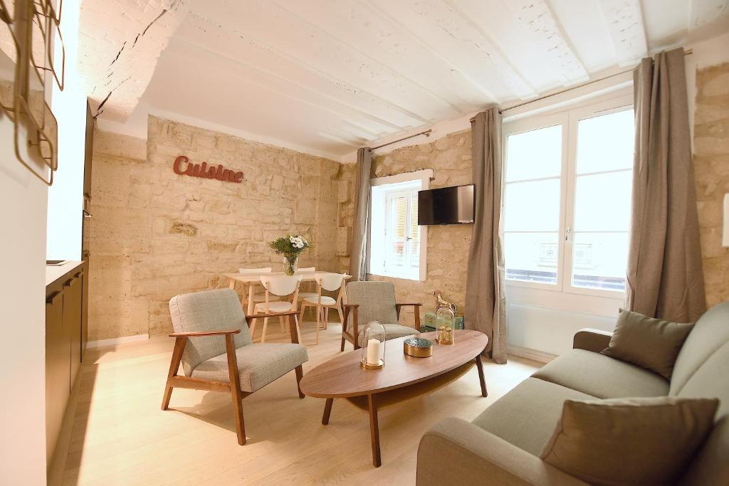 Apartment Dreamyflat Com St Germain Paris France Bookingcom