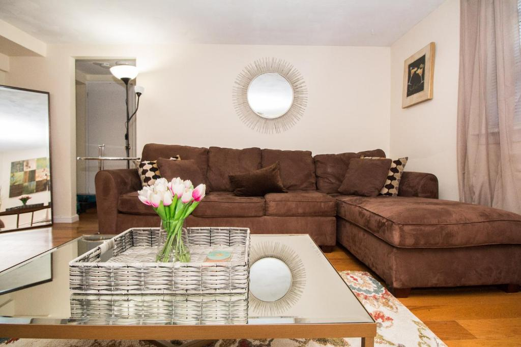 Gallery image of this property. Great 1 Bedroom apartment  Longwood  MBTA  Boston  Fenway  Jamaica
