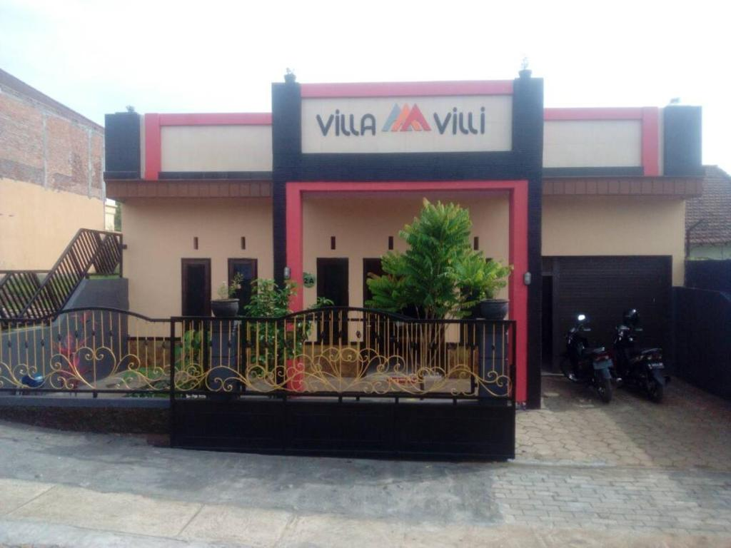 Villa Villi Indonesien Batu Booking