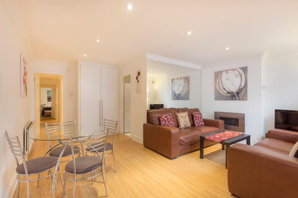 Stunning two bedroom Apartment, London, UK - Booking.com