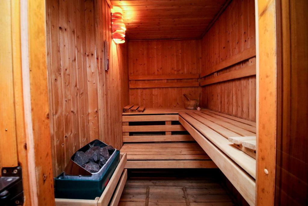 sauna at home ndk apartment sofia bulgaria. Black Bedroom Furniture Sets. Home Design Ideas