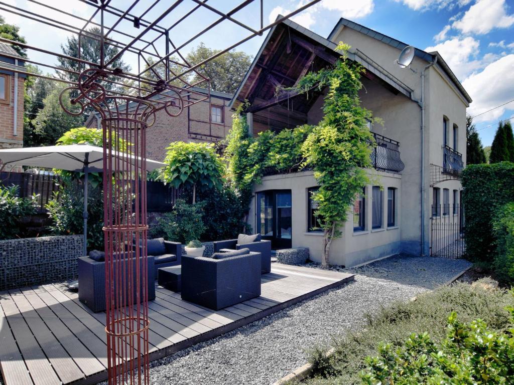 Vacation home la maison jardin ourthe verlaine belgium for Jardin homes