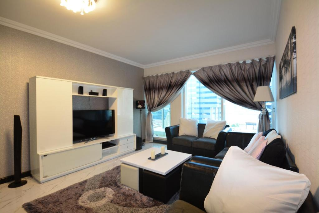 Two Bedrooms in Dubai Arch Tower, JLT by Deluxe Holiday Homes, Dubai ...