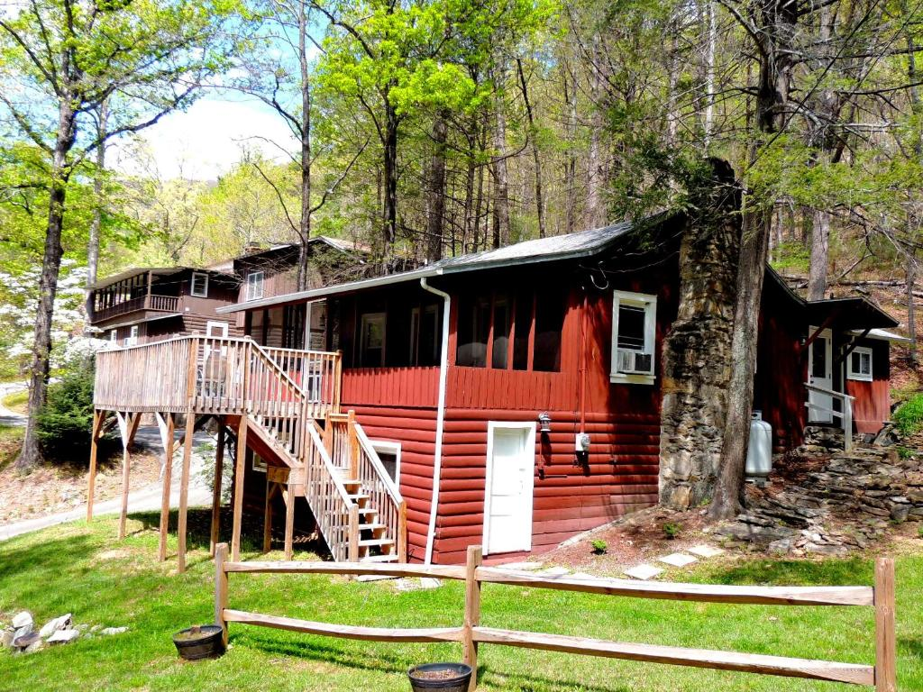Vacation Home Rock View Cabin Chimney Rock Nc Booking Com