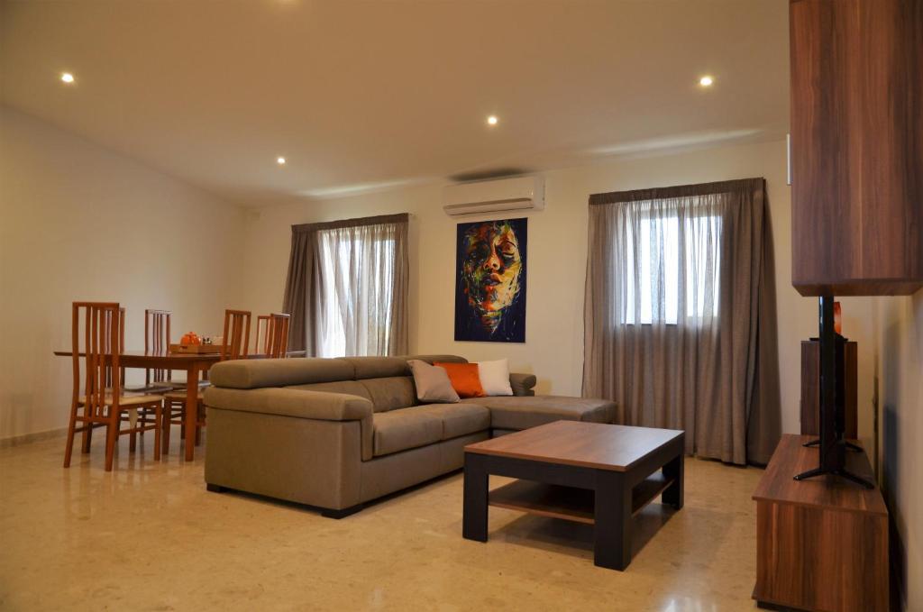 pearl court apartment st paul s bay malta booking com