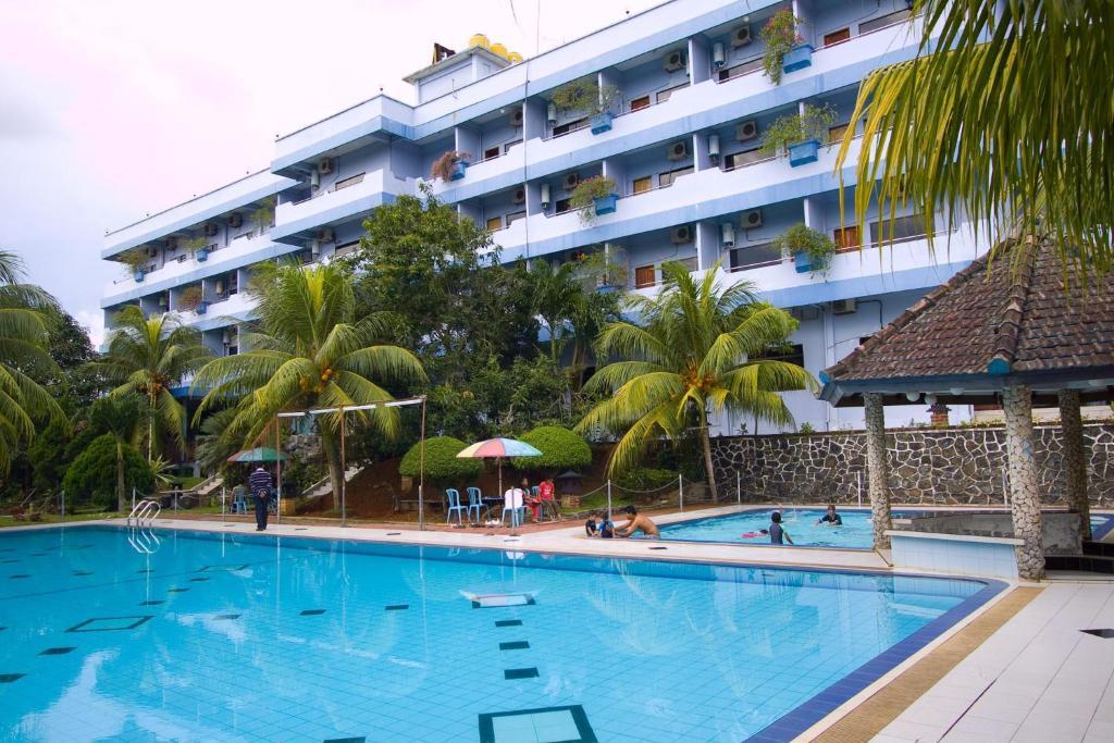 pelangi hotel resort tanjung pinang indonesia booking com