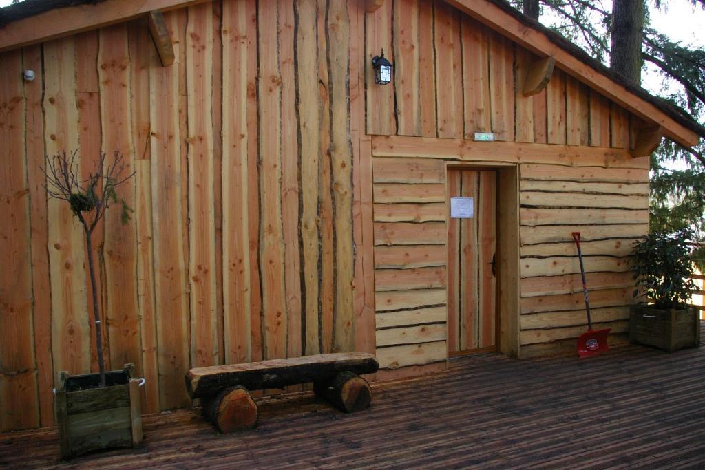 cabane dans les arbres rhone-alpes