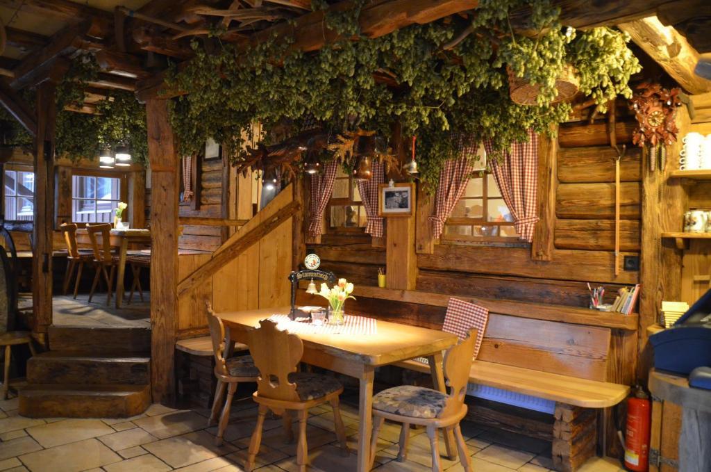 Pension Landgasthof Untere Muhle (Deutschland Alpirsbach) - Booking.com