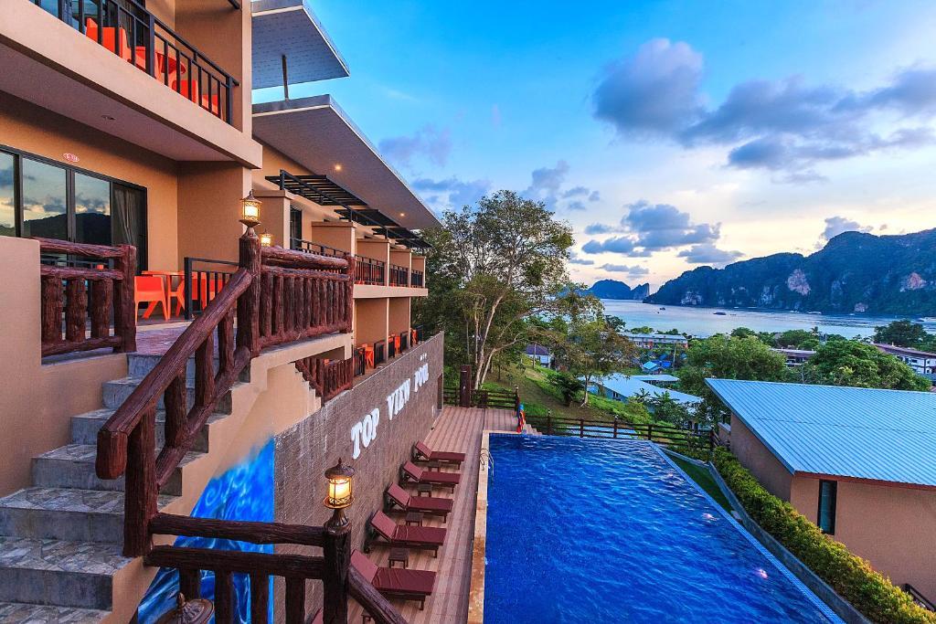 Phi Top View Resort