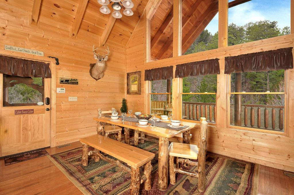 aint photo index bedroom smoky high cabin valley forge pigeon mountains no rentals in enough cottage sunset one vacation wears picture tn rental property mountain