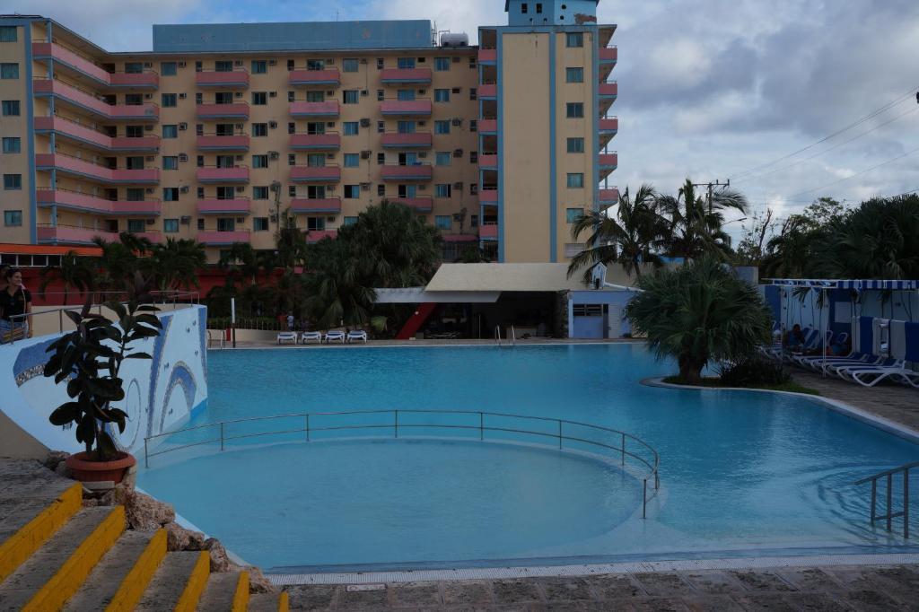 Znalezione obrazy dla zapytania Gran Caribe Club Kawama Resort
