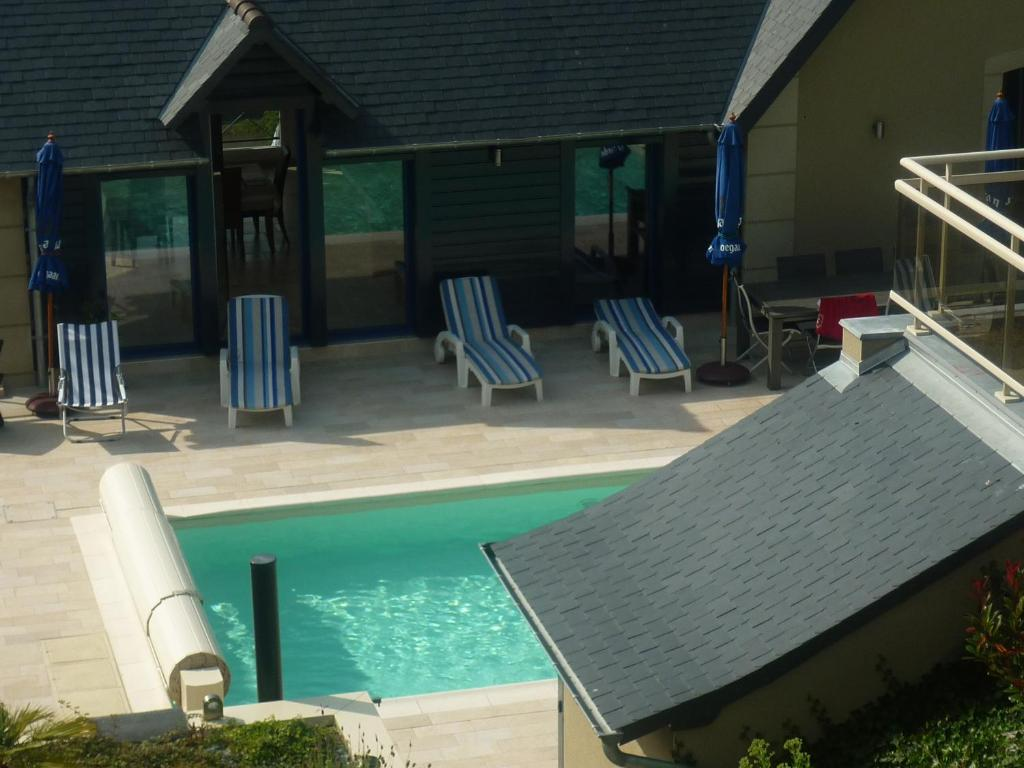 The swimming pool at or near villa belle etoile