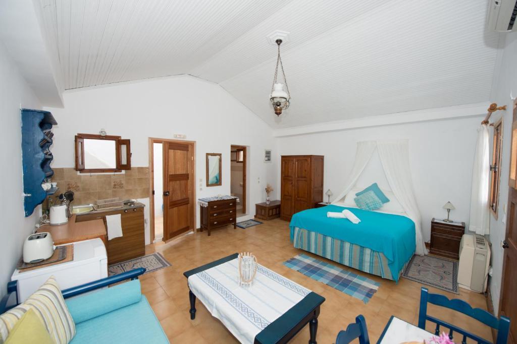 Апарт отель в остров Сими