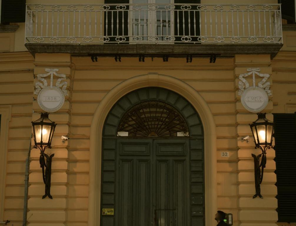 2019 para ResidenceNápolesPrecios Mele actualizados Palazzo Ygf67yvIb