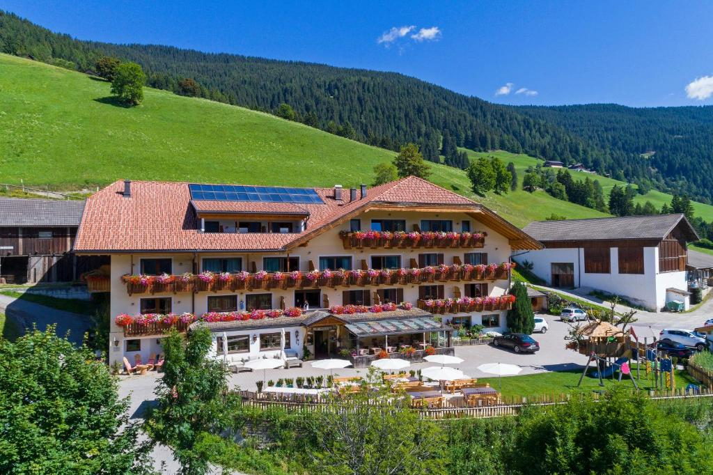 Hotel Schopfenhof, Dobbiaco (Toblach) – Prezzi aggiornati per il 2019