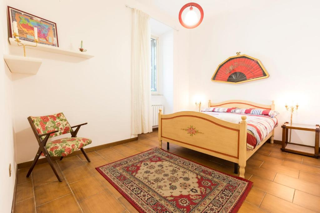 spelndid house and room design. Gallery image of this property Splendid House Near the Center Rome  Updated 2018 Prices