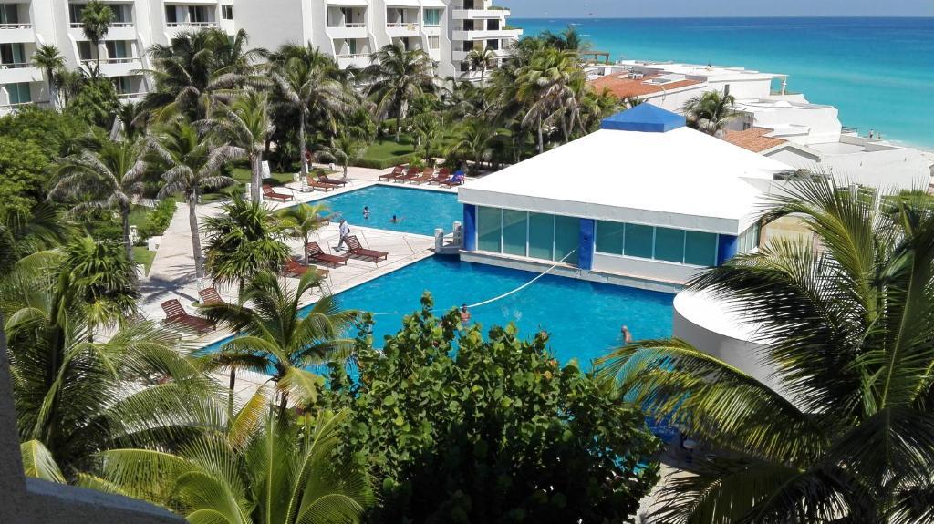 Vista de la piscina de Beach Apartment All Inclusive 19.5 o alrededores