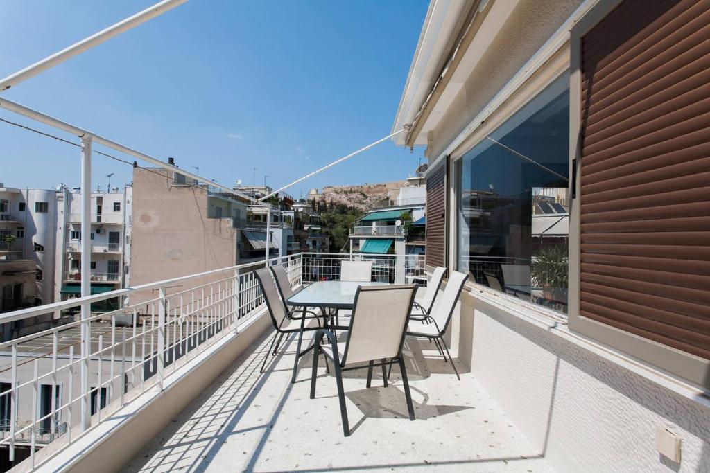 Acropolis Top Floor Apartment W Breathtaking View Athens