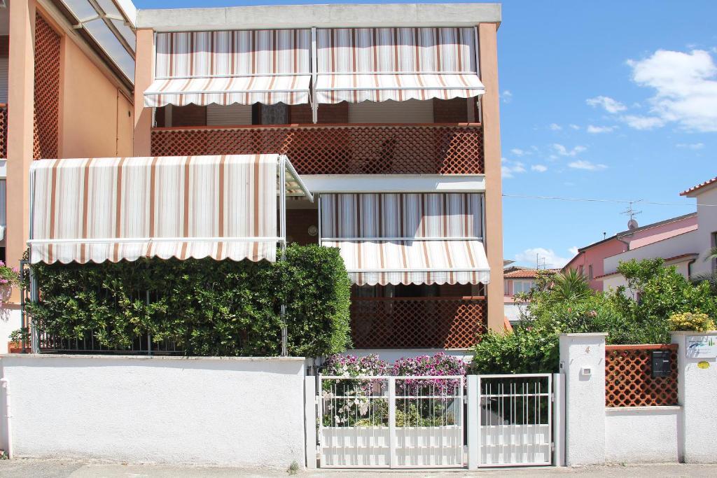 Balconi Piccolissimi : Holiday home arzilli italien follonica booking.com
