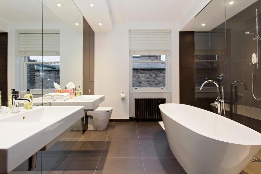 Apartment Luxury 3 Bedroom House In Chelsea London Uk Bookingcom - Excellent-3-bedroom-london-apartment-in-chelsea-area
