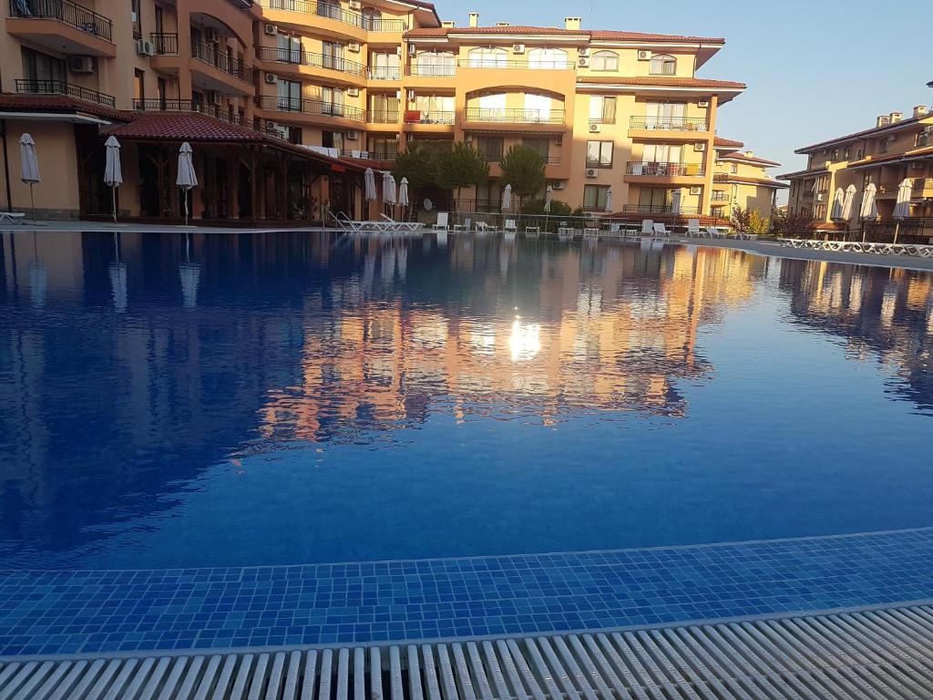 Апартамент Private in Star Dreams Complex - Свети Влас