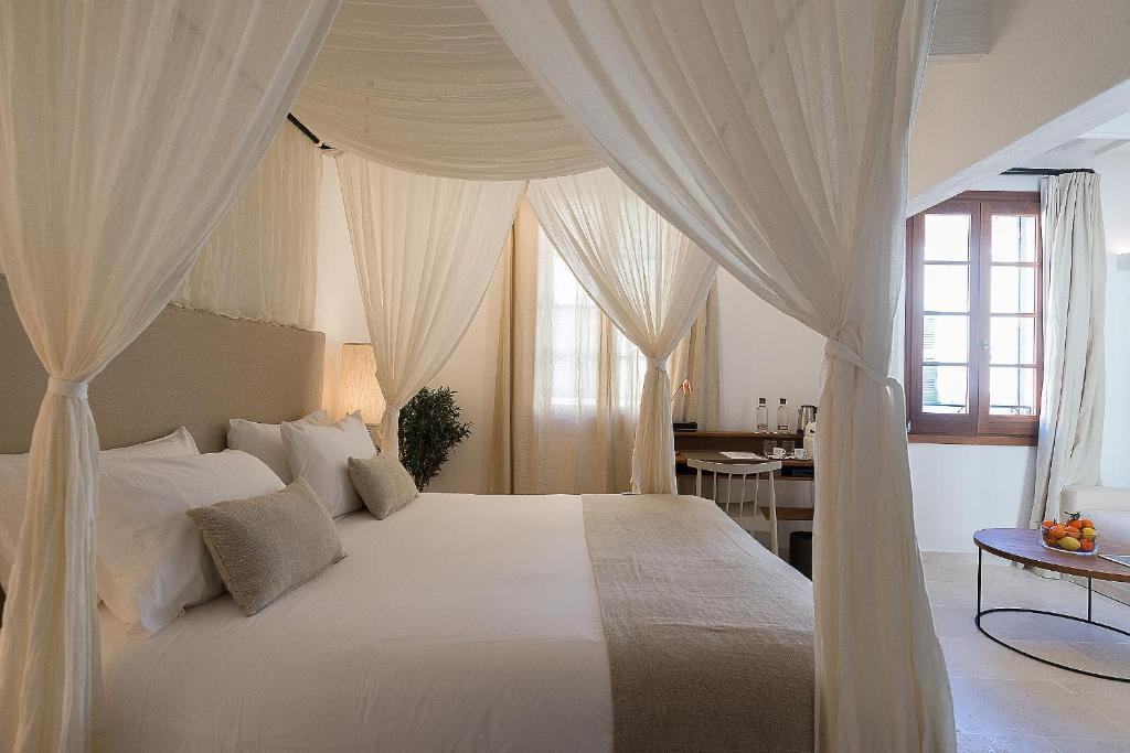 boutique hotels in menorca  253