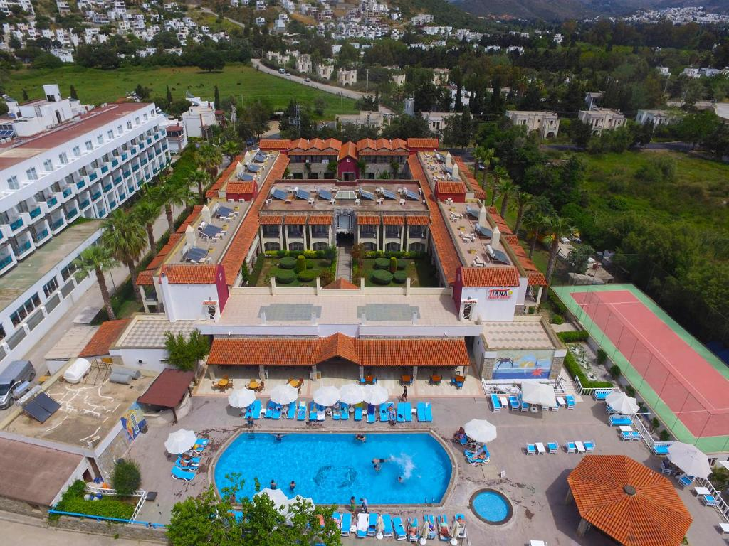 Tiana Beach Resort (Turquia Turgutreis) - Booking.com