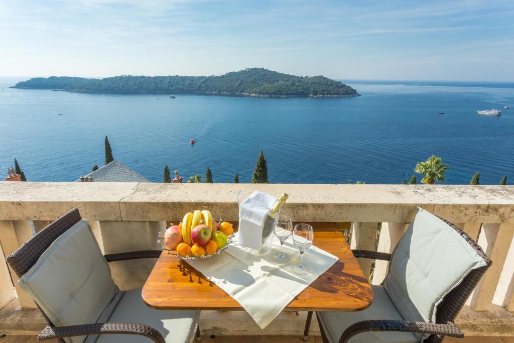 Veranda Balkon Victoria : Hotel reine victoria by laudinella schweiz st moritz booking