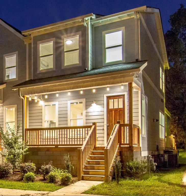 Vacation Home CLOSE TO DOWNTOWN 4BR, Nashville, TN