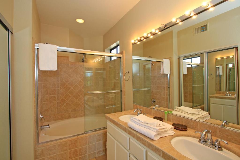 Vacation Home Bedroom Condominium In Palm Desert CA PV CA - Bathroom remodel palm desert ca