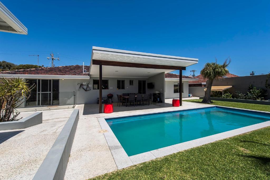 Trigg Scarborough Beach Big House Pool Great Location, Perth ...