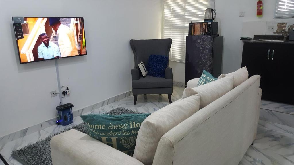 1 Bedroom Apartment, Chevron Drive, Lagos, Nigeria
