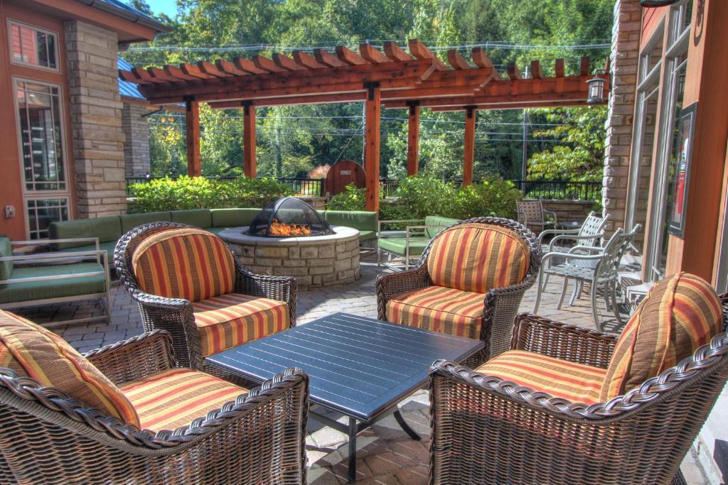 gallery image of this property - Hilton Garden Inn Gatlinburg