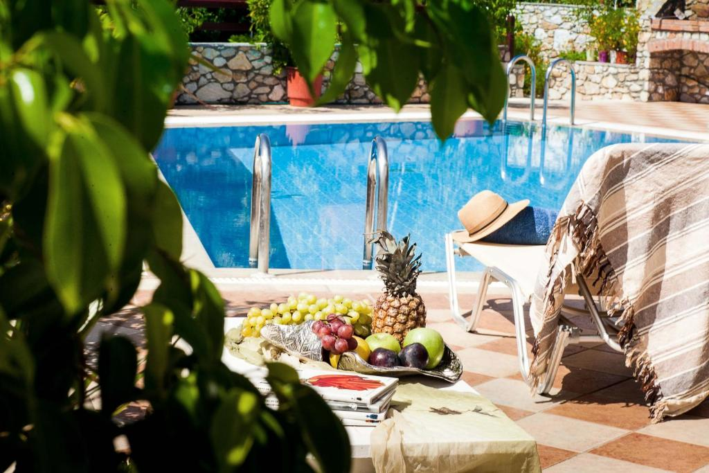 Πισίνα στο ή κοντά στο Villa Maraki