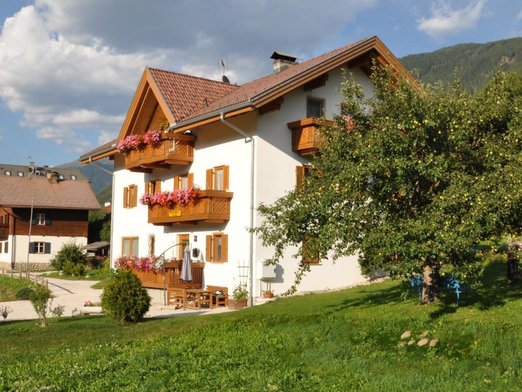 Appartements Wiesenheim Rasun Di Sopra Italy Booking Com