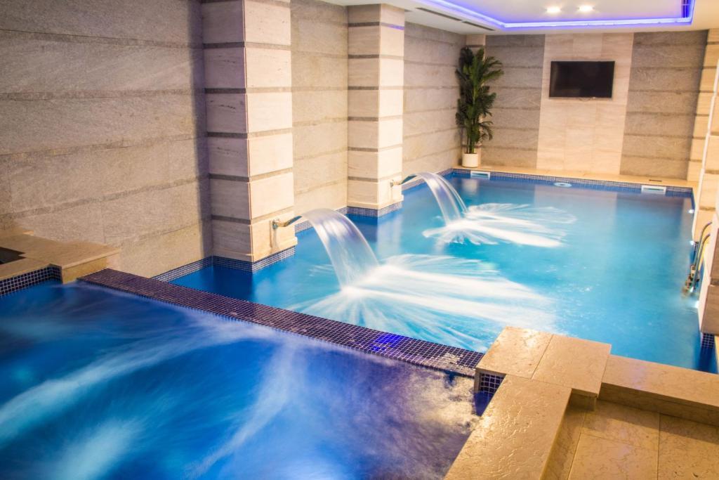 Xenon Hotelの敷地内または近くにあるプール