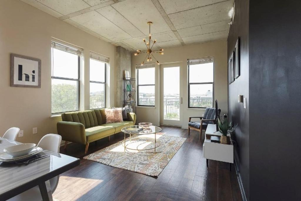 Mid-Century Modern Apartment on the West End, Nashville – Updated ...