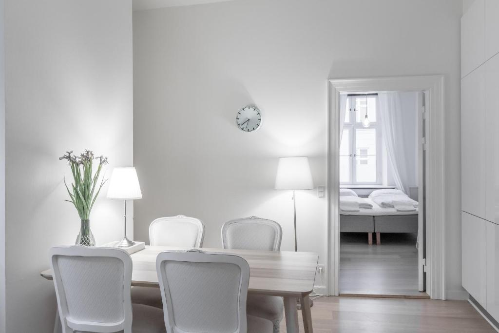 3 bedroom heritage apartment, Copenhagen, Denmark - Booking.com