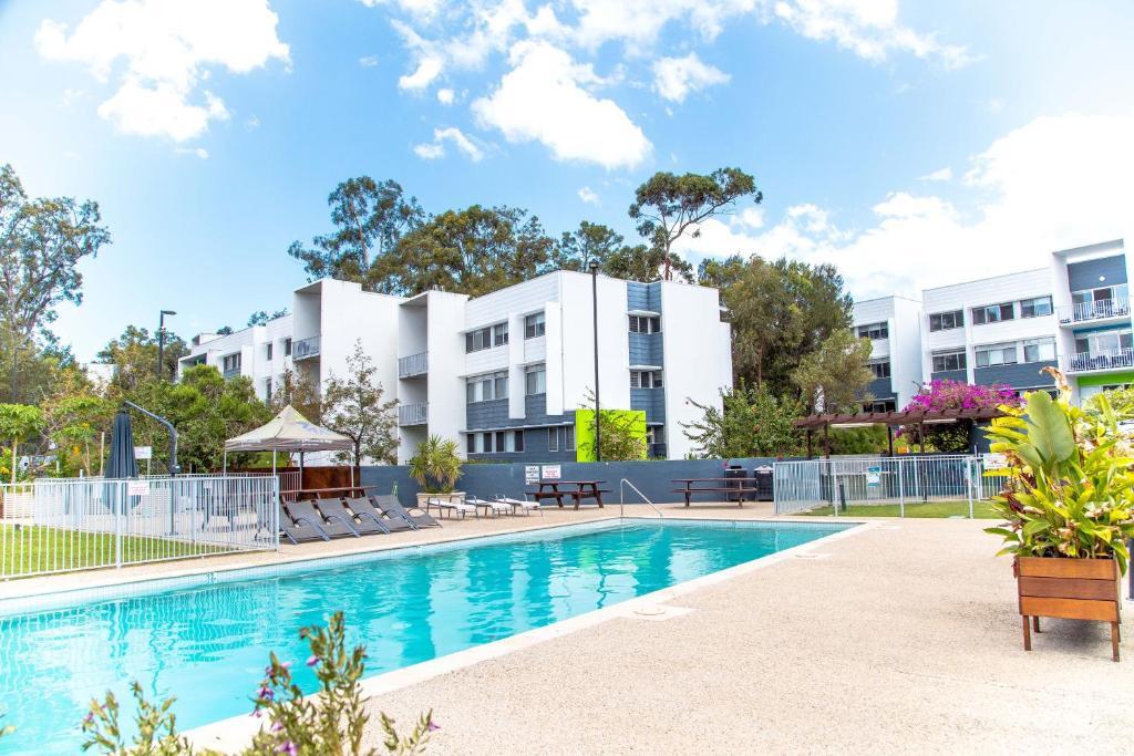 Griffith uni village gold coast australia - Griffith university gold coast swimming pool ...
