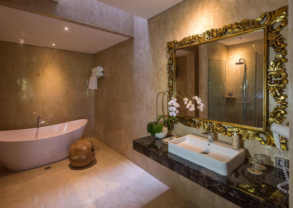 Salle de bains dans l'établissement ILA Villa Ubud
