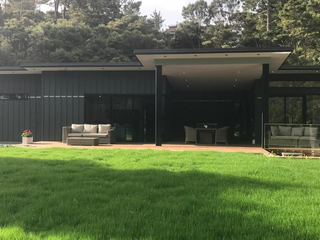 villa the hidden retreat auckland new zealand booking com