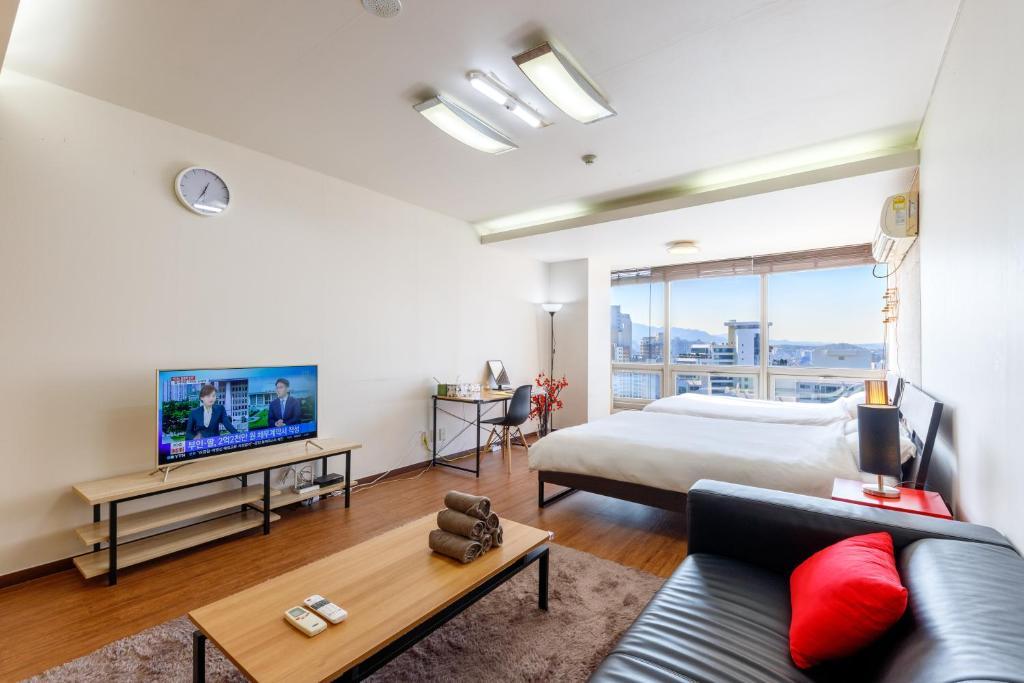 Apartment Spacious And Clean Studio Seoul South Korea Booking Com