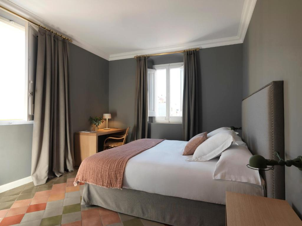 boutique hotels in girona  108