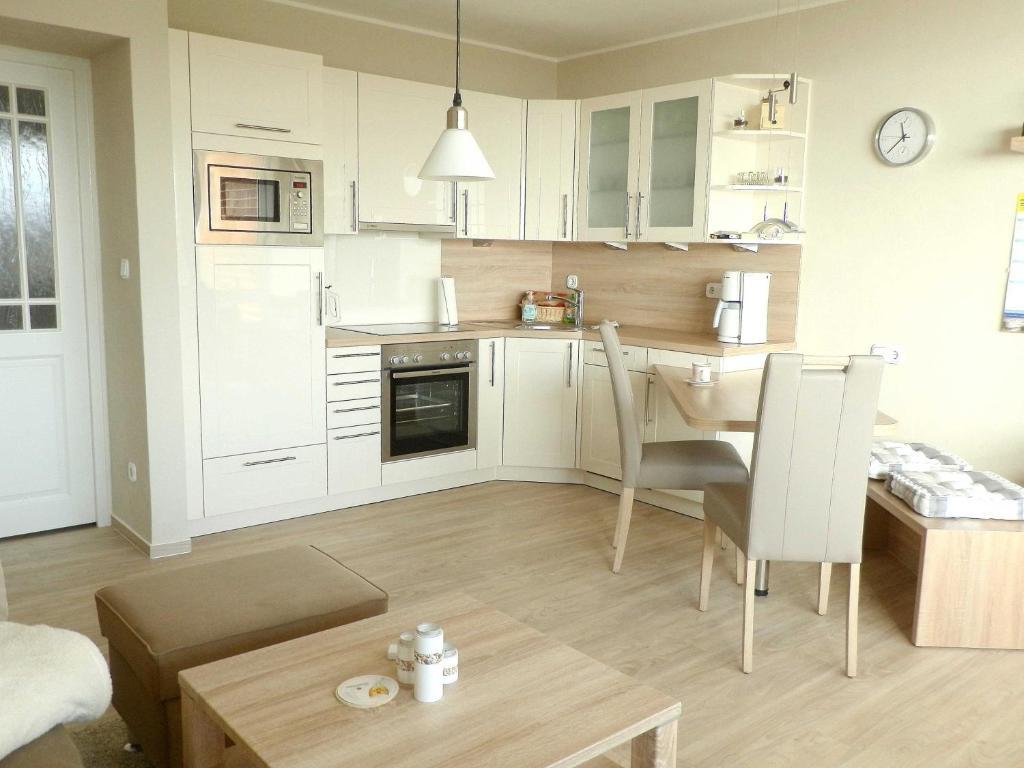 ferienwohnung 0090 haus langene deutschland wyk auf f hr. Black Bedroom Furniture Sets. Home Design Ideas