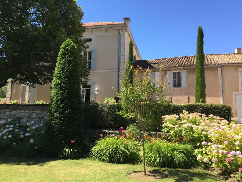 bfbbd0bd3e15f9 Villa Domaine du Valin, Lacoste, France - Booking.com