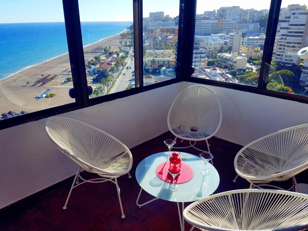 Check Out This Awesome Panoramic Kite >> Apartment 14th Floor Panoramic View Torremolinos Spain Booking Com