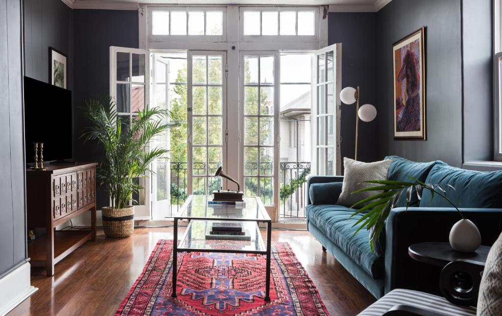 Apartment Two Bedroom On Magazine St Apt A New Orleans La