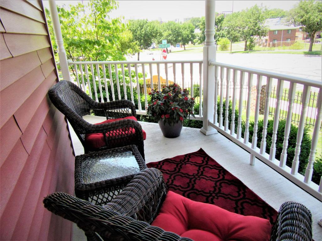 secret place bed & breakfast llc, kansas city, mo - booking