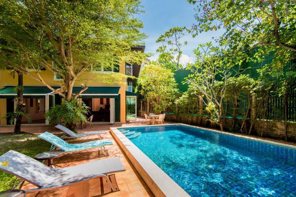 Hasil gambar untuk Private Pool Villa by CHATTA Agoda
